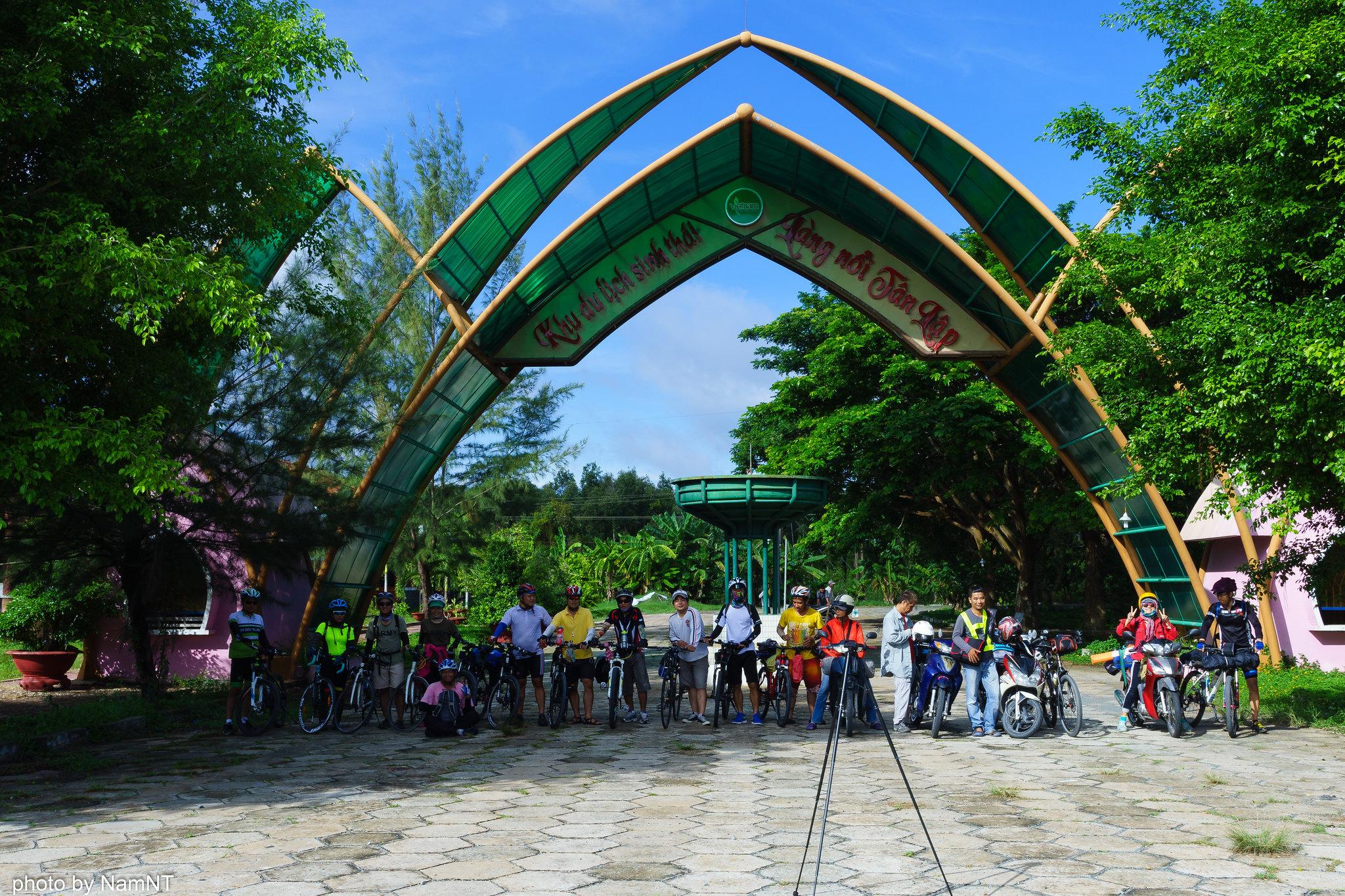 21217324548 98a41cc556 k - SG- Tân An Mộc Hóa : Khám phá làng nổi Tân Lập