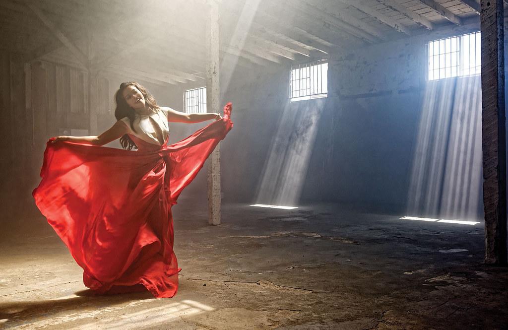 Джина Родригез — Фотосессия для «Emmy» 2015 – 2