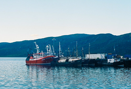 film sunrise boats scotland minolta harbour minoltasrt101 ektar rokkor mdwrokkor28mm128