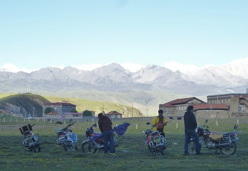CH-Sichuan-Tagong-Tibétains (11)
