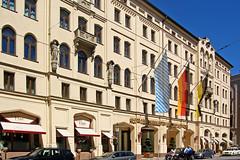 München - Maximilianstraße (1) – Das Hotel »Vier Jahreszeiten«