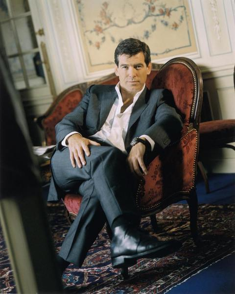 Pierce Brosnan crossed legs