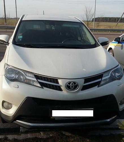 В Опарипсах виявили авто, яке викрали в Києві