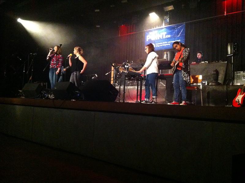 Christmas Night Studen, Band 8. Klassen