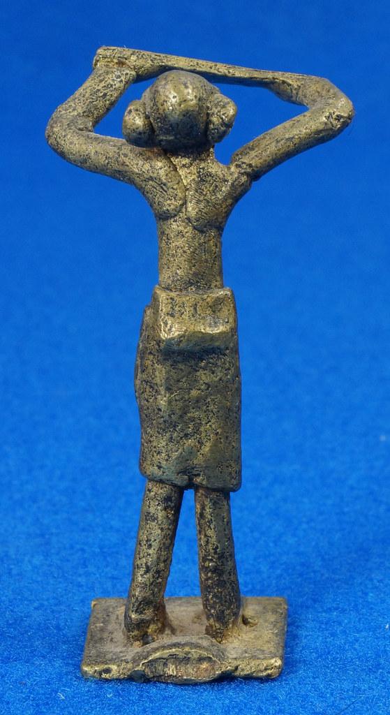 RD15105 4 Vintage African Hand Made Folk Art Primitive Figurines Solid Cast Brass Burkina Faso Yoruba West Africa DSC07135