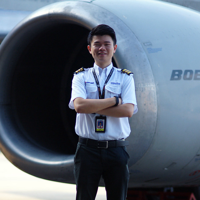 Malaysia airlines cool aircraft engineer