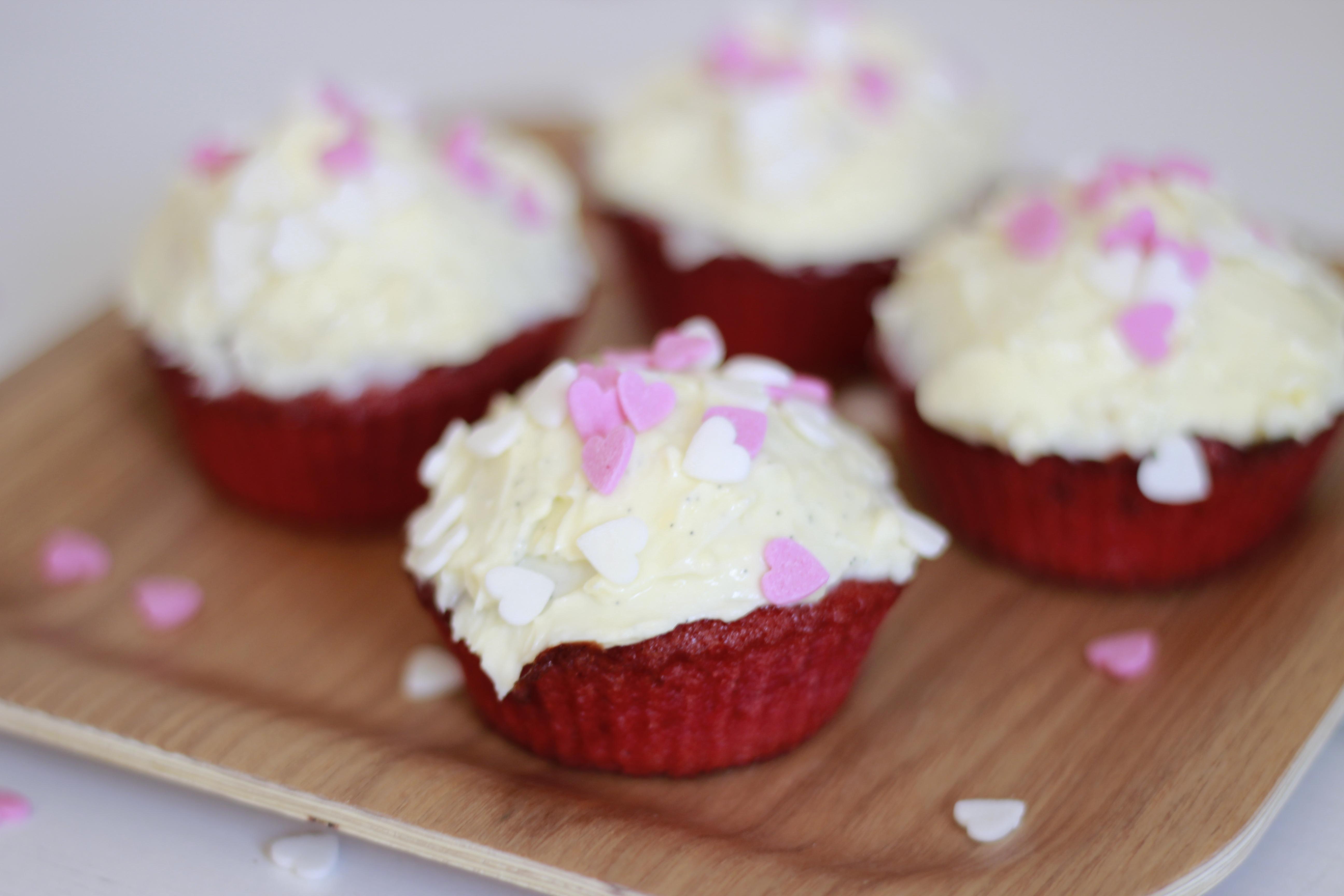 Red Velvet Cupcakes 04