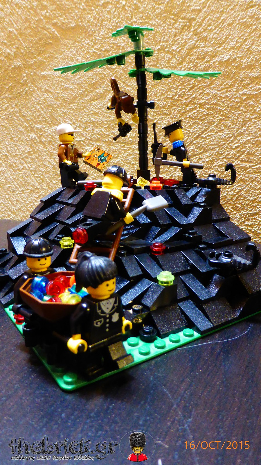 "[BuildtheBrick #1]: ""Treasure in the Dark Hill"" 22215851402_a5cefe4c33_h"