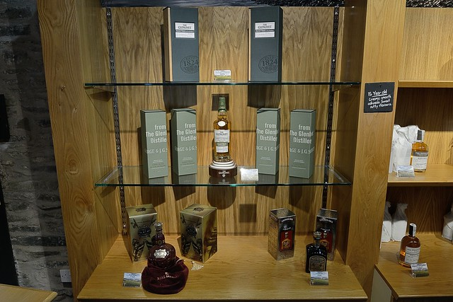217-20160726_The Glenlivet Distillery-Banffshire-Visitor Centre-display of malt whisky and liqueur products