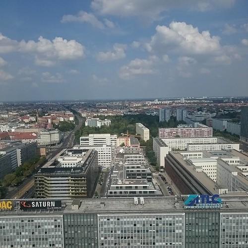Berlin 28 degrees feels like 40