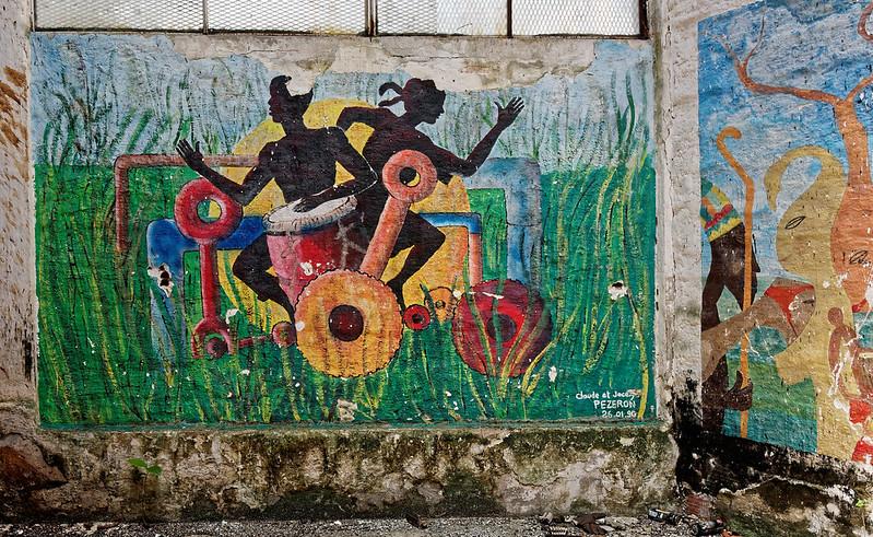 Fresque murale à l'intérieur de l'usine