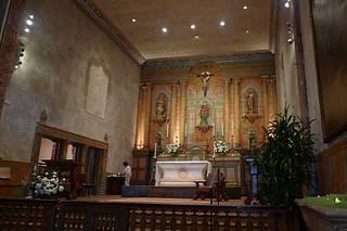 Santa Barbara - Santa Barbara Mission altar