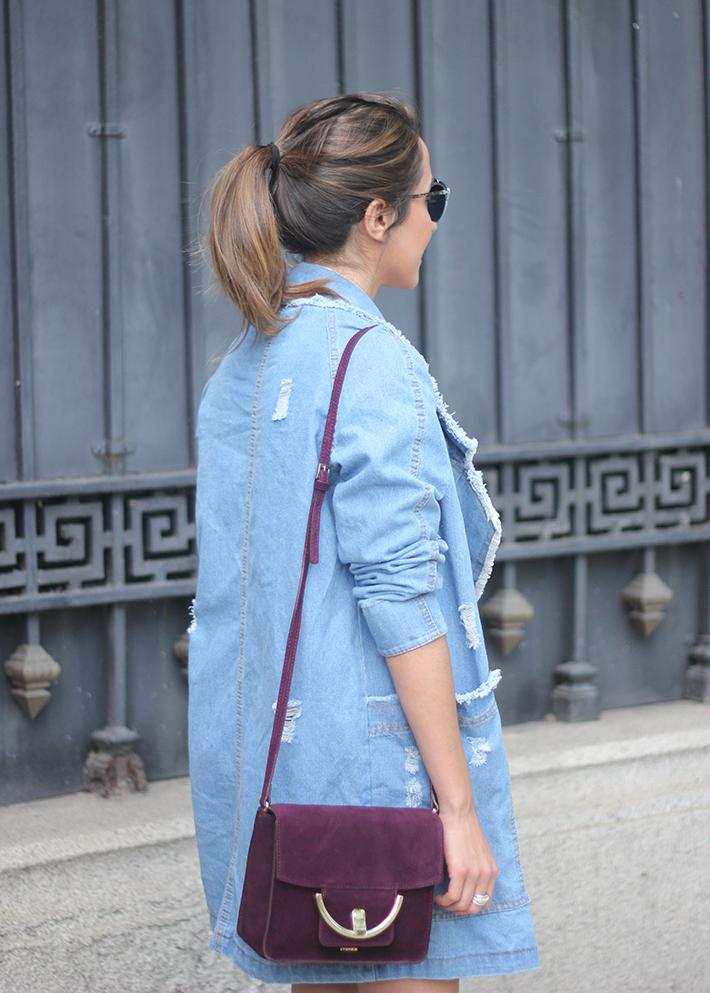 Denim Coat Stripes Skirt White Blouse Burgundy Uterqüe Bag Outfit09