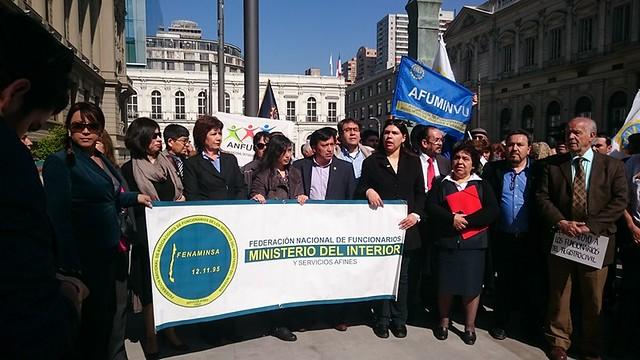 """Afiich contra el """"reemplazo en huelga"""" que el gobierno quiere imponer - 22 Octubre 2015"""