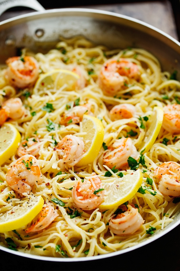 Shrimp Pasta with Lemon Cream Sauce - An easy weeknight friendly pasta dinner thats got the most delicious lemon cream sauce! | Littlespicejar.com @littlespicejar