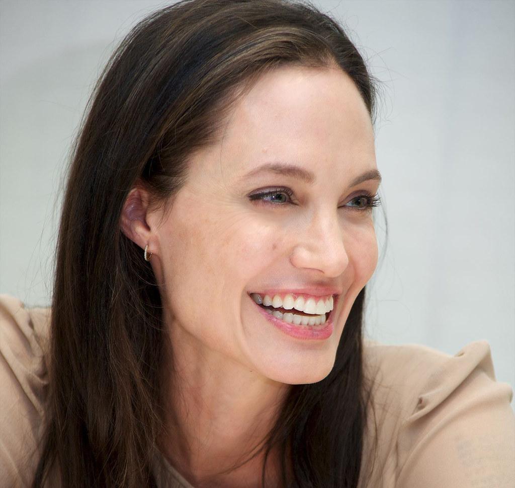 Анджелина Джоли — Пресс-конференция «Лазурный берег» 2015 – 6