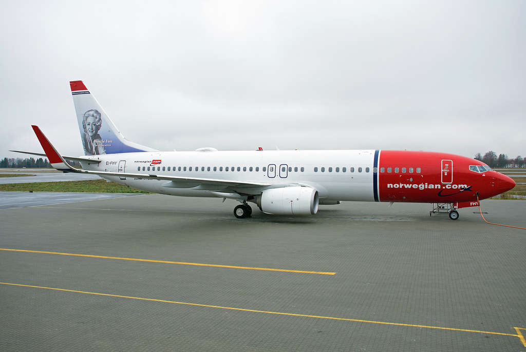 EI-FHY - B738 - Norwegian Air International