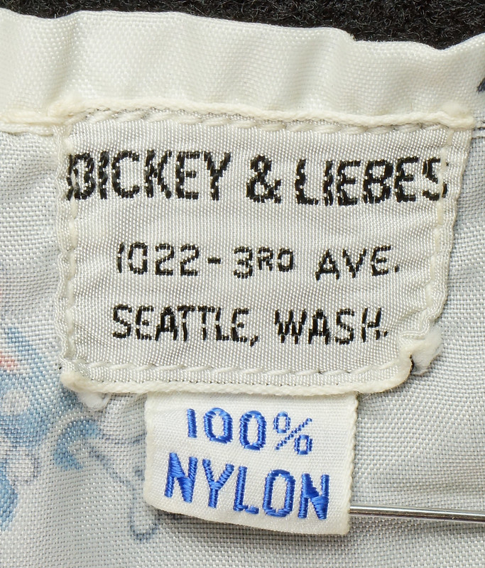 RD6920 1940s Disney Prod. Childs Barber Cape Apron Bickey & Liebes Seattle, Wash. DSC08312