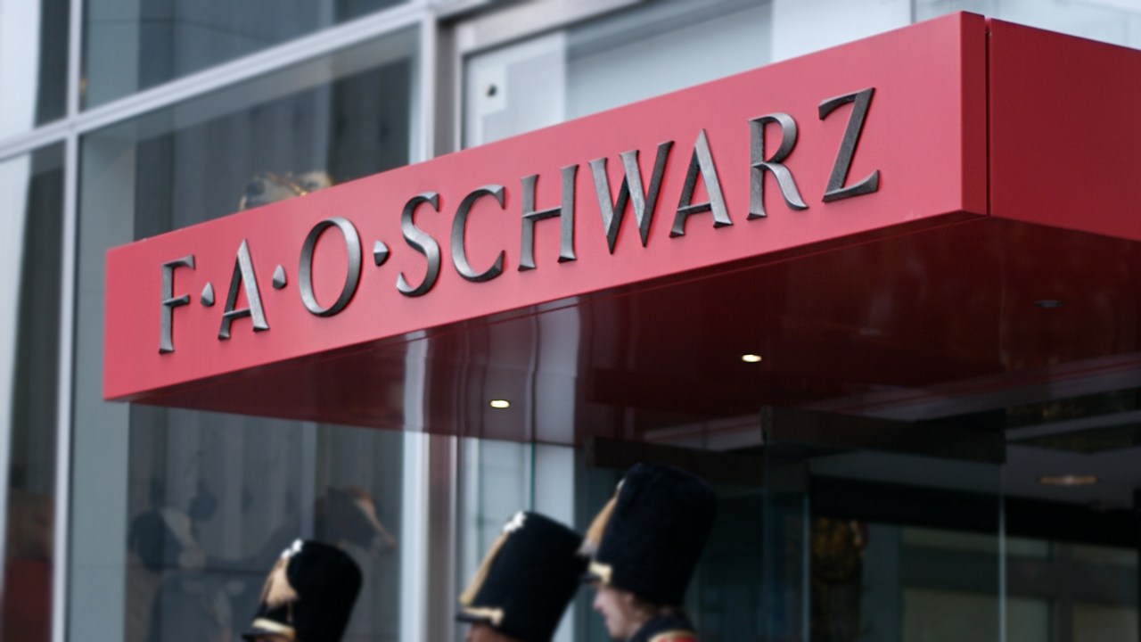 Shanna May Visits F.A.O Schwarz for GeeksLifeStyle