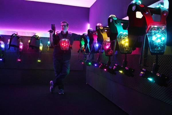 Laser-tag aréna: minúty čistého šialenstva