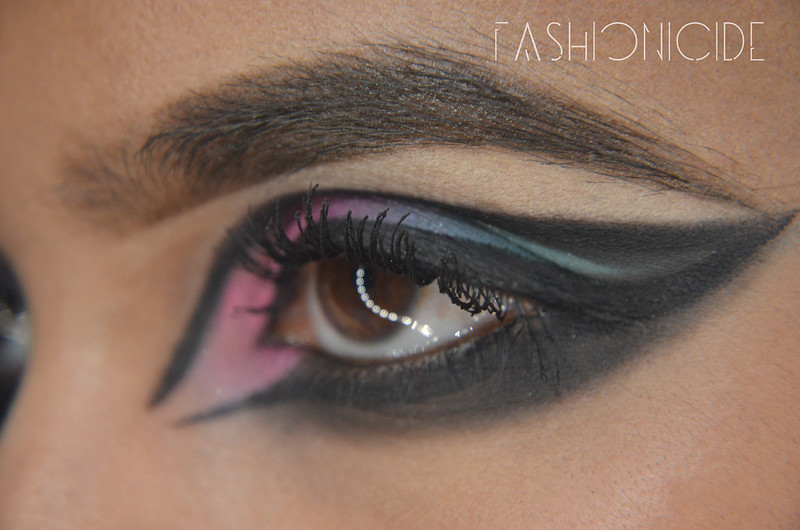 Smokey-Sixties-Eye-Makeup-(7-of-7)