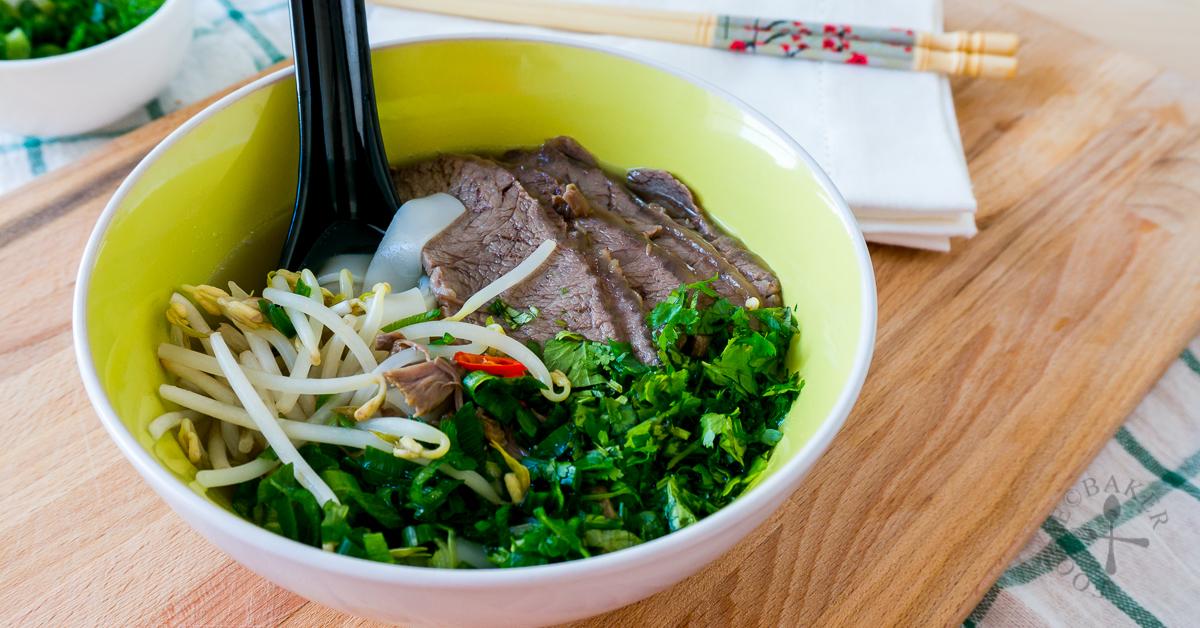 Vietnamese Beef Pho (Beef Noodles Soup)