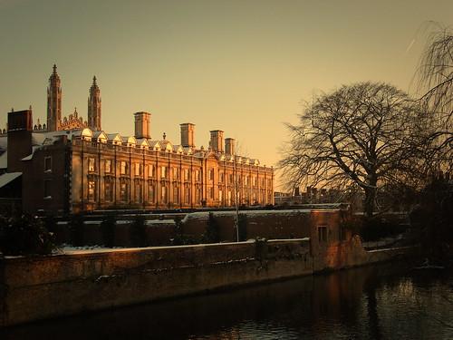 clarecollege cambridge winter snow sunset tree cam river universityofcambridge unitedkingdom thebacks