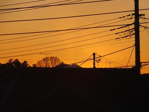 山 木 日没 茨城県 電力線 電気ポール mountain tree sunset powerline power line pole ibaraki mito 水戸市