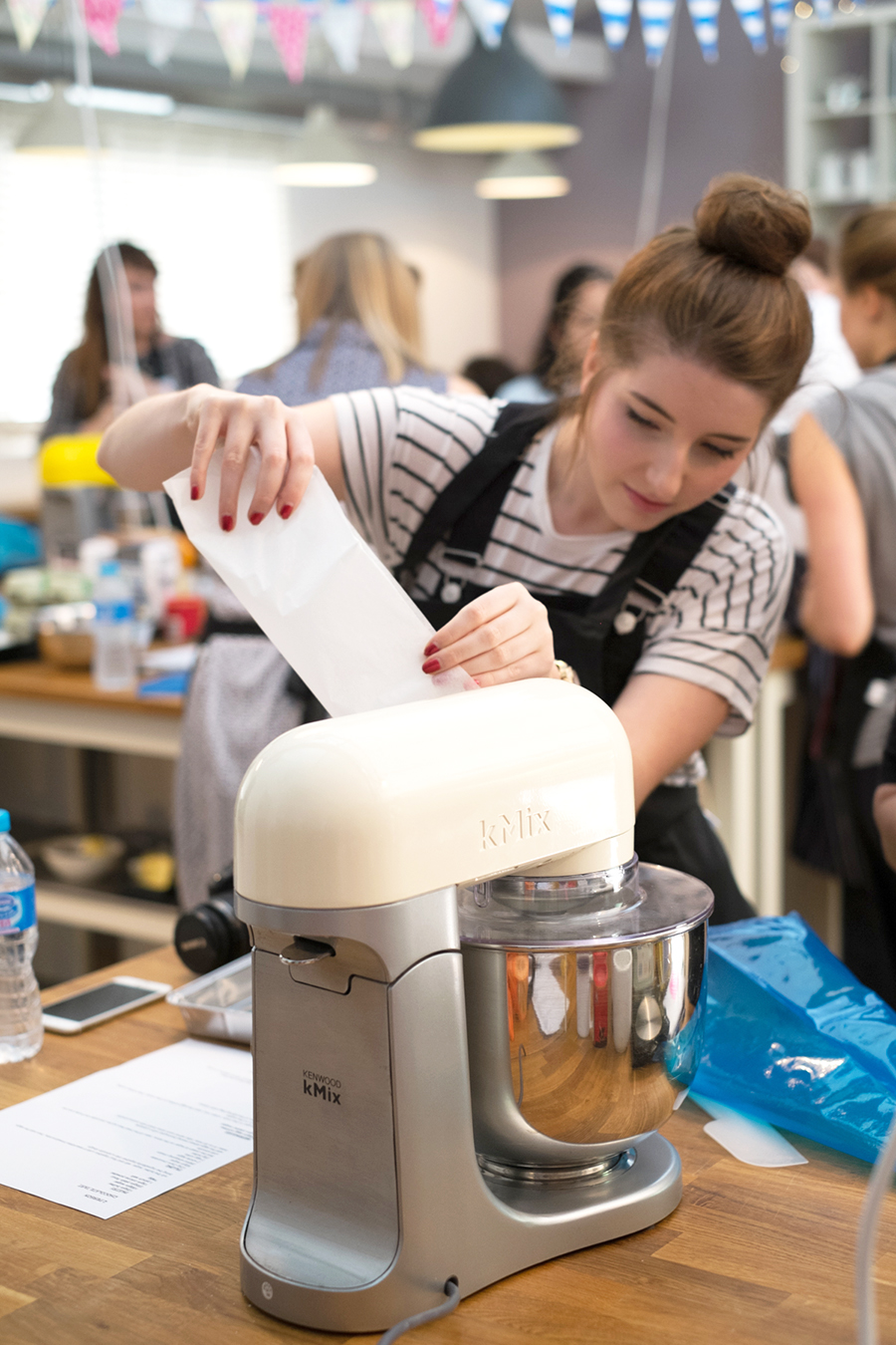 Sequin-This-blogger-baking-class-with-currys