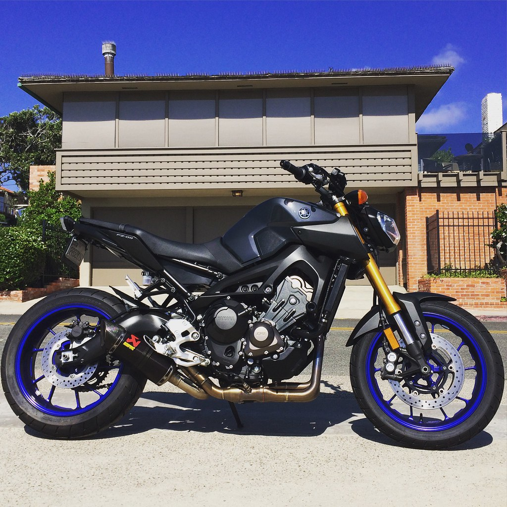 My Take On The Fz 09r One Step At A Time