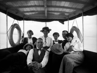Sommer og båtliv (ca. 1925)