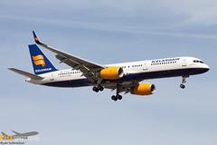 Icelandair 757-200 TF-LLX
