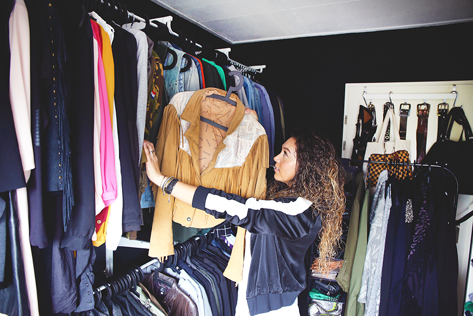 POSE-nyc-closet-3
