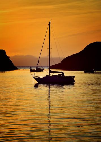 sunset colour scotland boat highlands sailing sundown silouette explore westcoast glenelg westerross arnisdale explored inexplore harleynikridesagain
