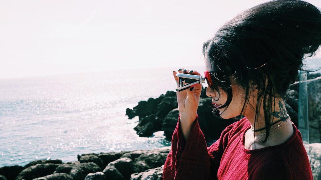 Ванесса Хадженс — Фотосессия для «Find Your California» 2015 – 35
