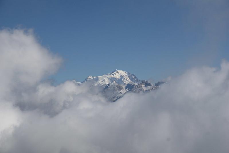 Le Mont-Blanc apparaît