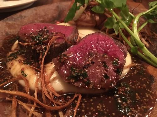 エゾ鹿モモ肉のロースト@ビストロブルー