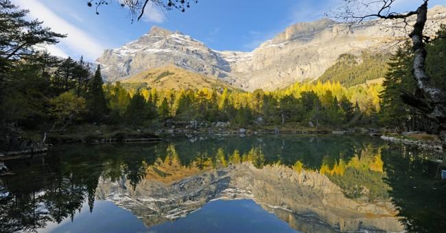 Derborence – mladé jezero, jež vzniklo ďábelským sesuvem