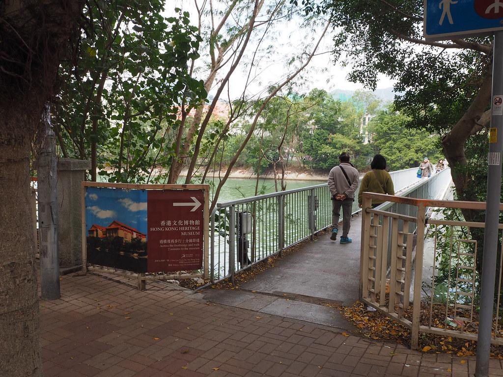 川辺にある香港文化博物館
