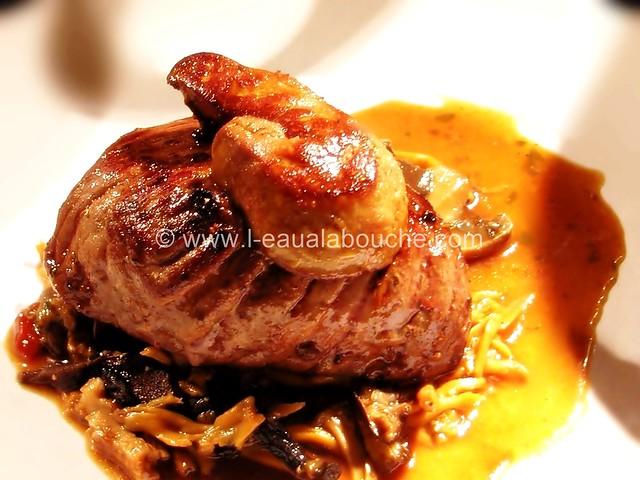 Pavé de Rumsteack & Foie Gras Poêlé sur Lit de Champignons © Ana Luthi Tous droits réservés 002_GF
