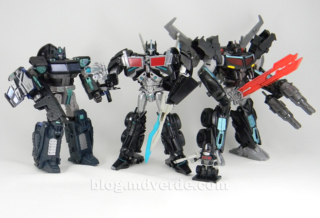 Transformers Nemesis Prime Voyager - Transformers Prime First Edition Custom - modo robot vs Universe vs Beast Hunters