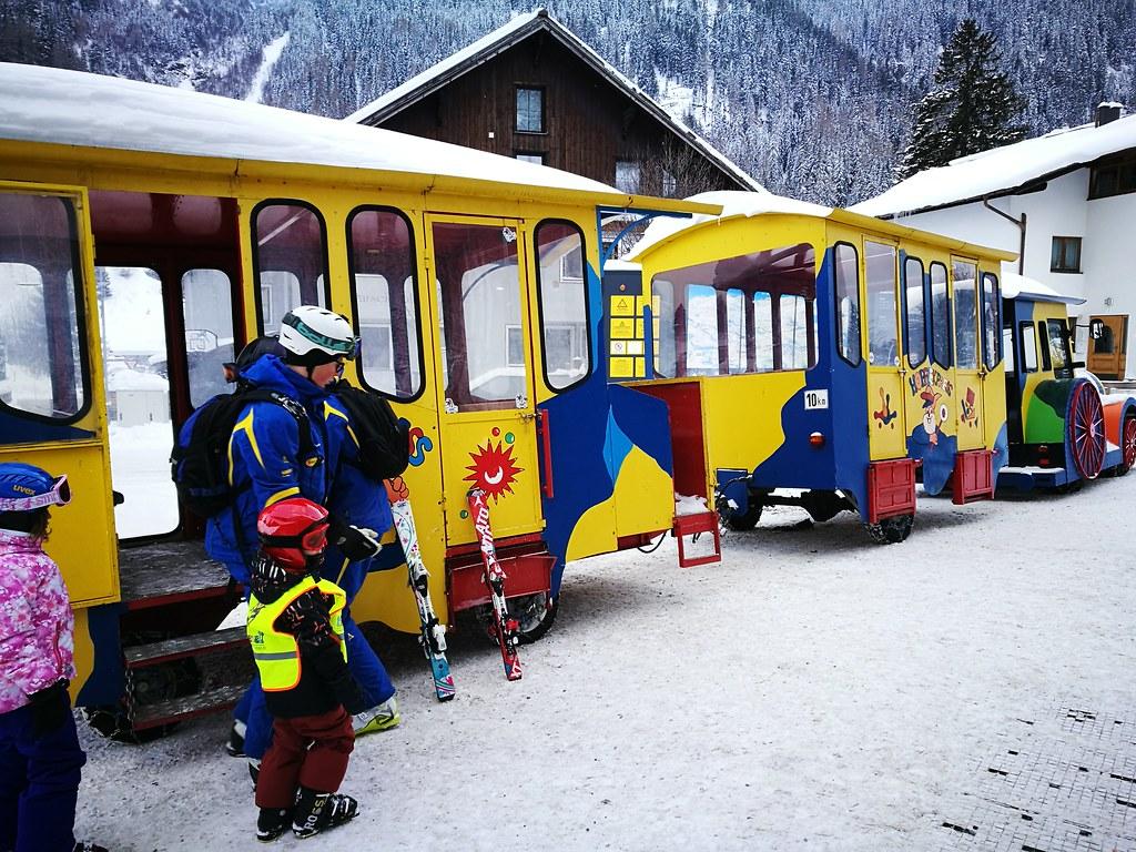 Ski school train