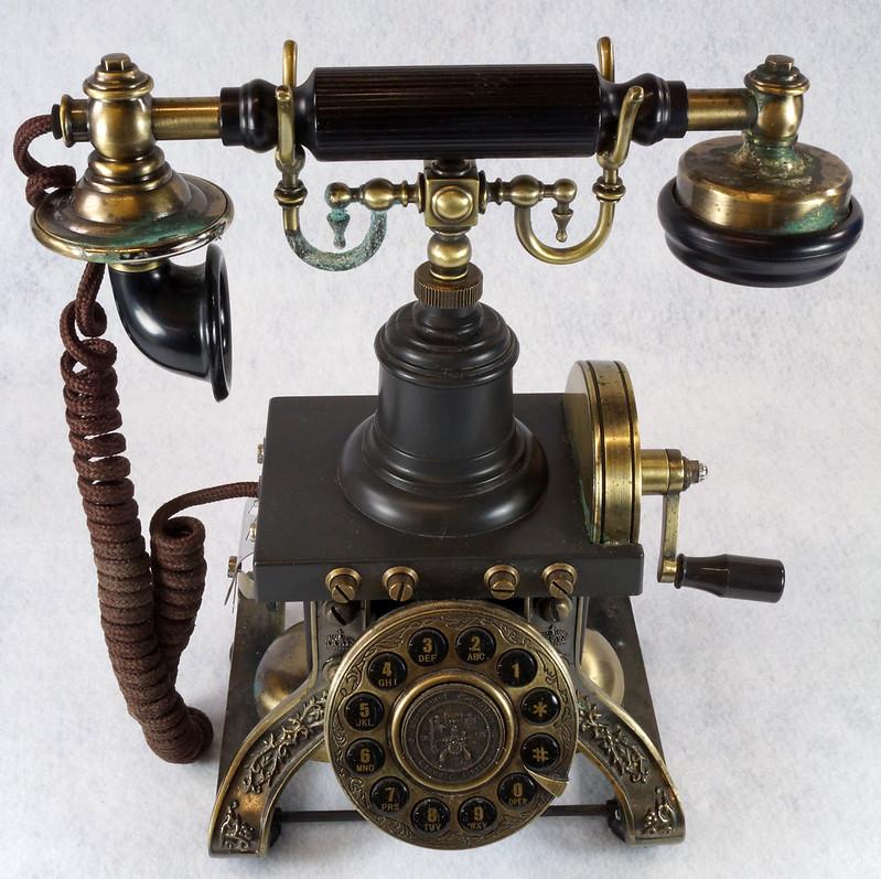 RD15260 Vintage Retro 1892 Eiffel Tower Paramount Replica Desk Telephone DSC08869