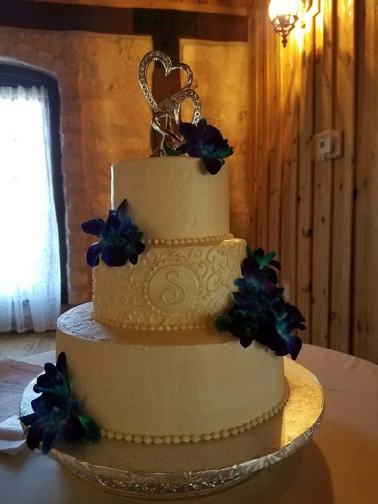 the knot wedding cakes dallas wedding cakes amp anniversary cakes dallas tx s 20860
