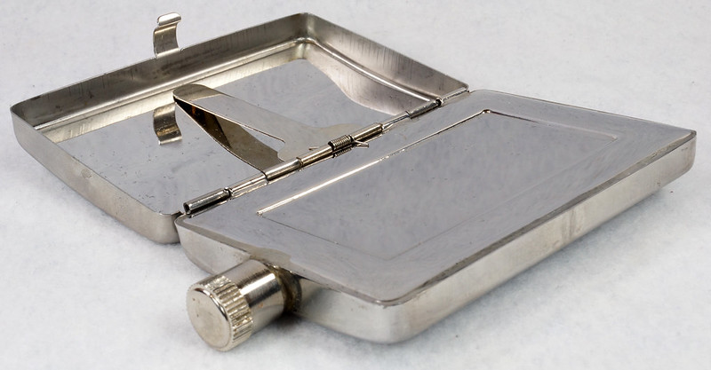 RD15128 Choppers Emblem Ace of Spades Metal Pocket Flask & Cigarette Case DSC08221