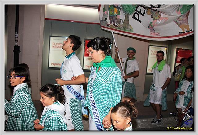 Minuto de silencio en memoria de Pedro Villar y desfile de peñas (5)