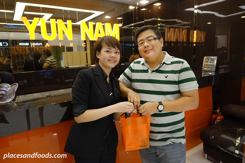 yun nam hair care end picture with consultant