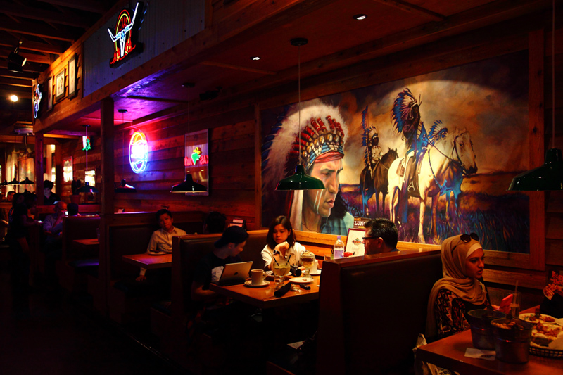 Texas-Roadhouse-Indian-Booth