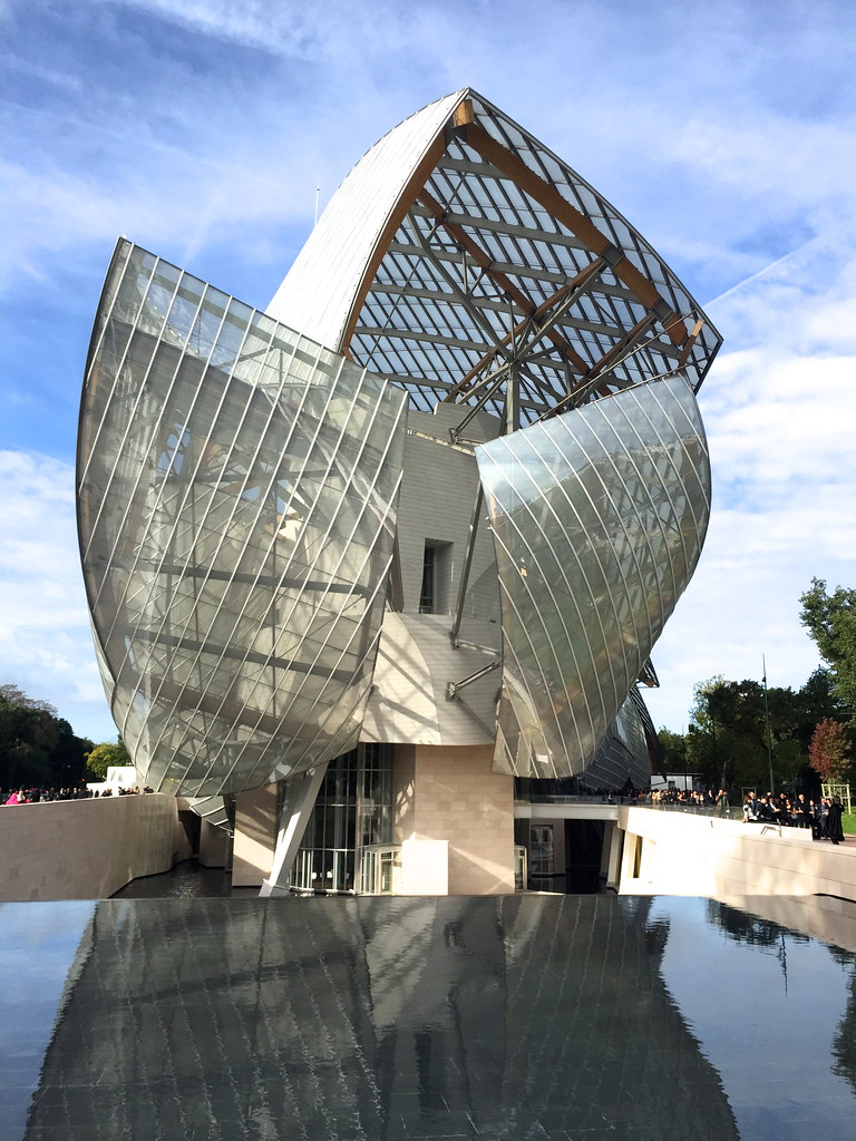 _manlul_miguel_carrizo_paris_louis_vuitton_foundation_frank_gehry_architecture_raceu_hats_h&m_pedro_garcia_shoes_13