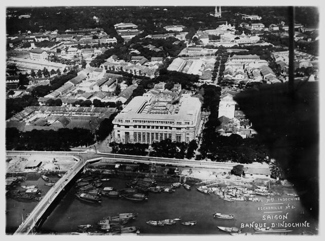 Không ảnh Đông Dương thập niên 1930 - Saigon. Ngân Hàng Đông Dương đang xây dựng